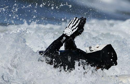 skelet surfer
